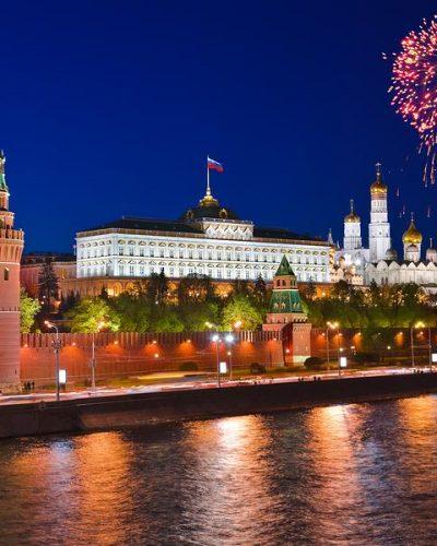 Jalan-jalan ke Kremlin And Red Square Fireworks Moscow Russia