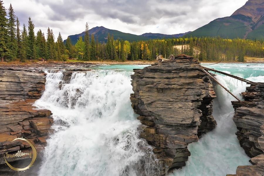 Menikmati Keagungan Tuhan di Air Terjun Athabasca Canada