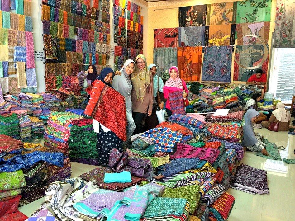 Batik Putra Ghofur Pekalongan Tempat Belanja Batik Murah Untuk Souvenir