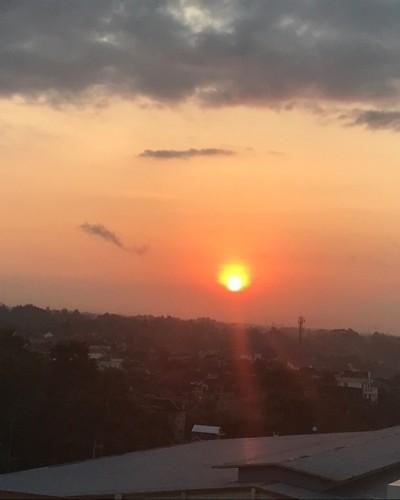 Sunrise di Rooftop Hotel Innside Jogja
